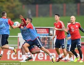 Cầu thủ Bayern Munich vẫn vui vẻ dù HLV Ancelotti bị sa thải