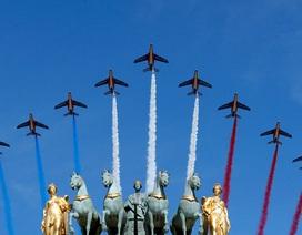 Pháp duyệt binh rầm rộ mừng quốc khánh