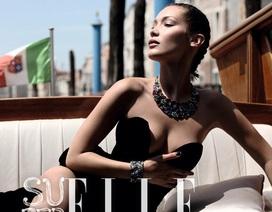 Siêu mẫu Bella Hadid khoe đường cong tuyệt mỹ