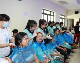 Khi bệnh nhân khi được cắt tóc, gội đầu, ăn cơm miễn phí