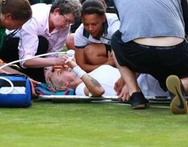 Dính chấn thương nặng, tay vợt phải thở oxy tại Wimbledon