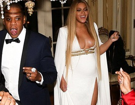 Beyonce gợi cảm bế bụng dự tiệc