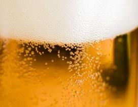 """Uống bia """"chuẩn lượng"""" cũng gây suy giảm não bộ?"""