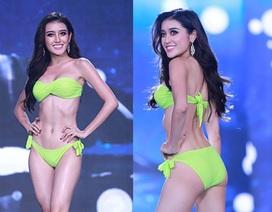 Huyền My và thí sinh Hoa hậu Hòa bình nóng bỏng với bikini