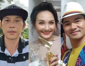 """Hoài Linh """"than thở"""" bị đối xử tệ bạc; Bảo Thanh Xuân Bắc """"tưng bừng"""" ăn mừng"""