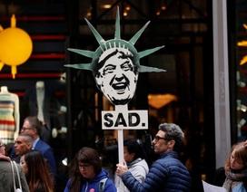 Ông Trump đối mặt làn sóng biểu tình ngay lần đầu trở lại New York