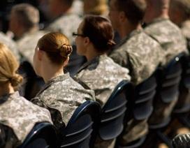 """Lầu Năm Góc mở rộng điều tra bê bối ảnh """"nóng"""" của nữ quân nhân"""