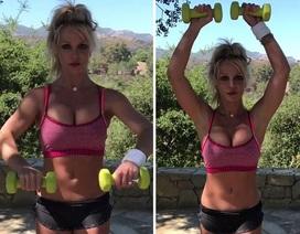 Britney Spears khoe dáng săn chắc trong phòng tập