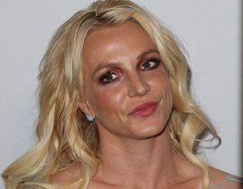 Britney Spears lộ mặt già nua