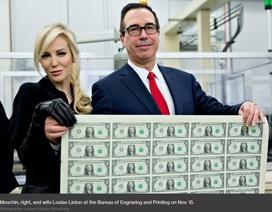 """Bức ảnh vợ chồng Bộ trưởng tài chính Mỹ gây """"bão"""" mạng"""