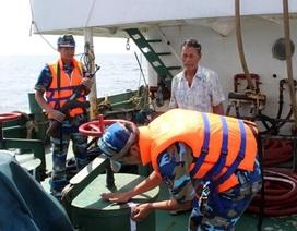 """Buôn lậu xăng dầu """"thủ"""" súng máy, đối phó cảnh sát ở biển Tây Nam"""