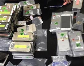Bắt giữ lô hàng điện thoại nhập lậu số lượng lớn