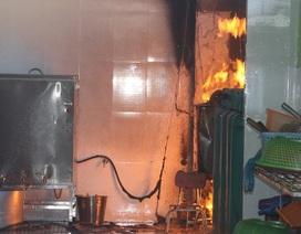 Cháy tại trường mầm non, hàng trăm học sinh phải di tản