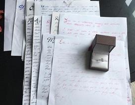 Ngọt ngào thông điệp cầu hôn của chàng trai 3 năm liền viết thư tình cho bạn gái