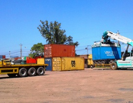 """Đấu giá 21 container thuốc lá trị giá trên 42 tỷ đồng """"bỏ quên"""" ở cảng Quy Nhơn"""