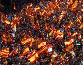 """Pháp dọa """"trục xuất"""" Catalonia ra khỏi EU nếu tuyên bố độc lập"""