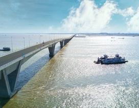 Vẻ đẹp bất ngờ của cầu vượt biển dài nhất Việt Nam
