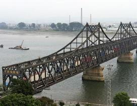 Trung Quốc bất ngờ đóng cây cầu chính nối với Triều Tiên