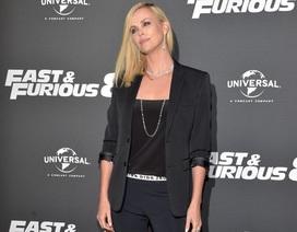 Charlize Theron sành điệu dự công chiếu Fast & Furious 8