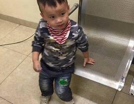 Hà Nội: Bé trai 3 tuổi bị lạc khi đi chơi cùng bố