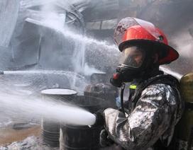 Kịp thời khống chế vụ cháy lớn tại công ty sơn