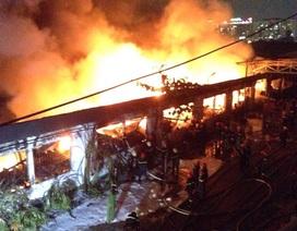 TPHCM: Cháy lớn công ty dệt may gần khu công nghiệp Tân Bình