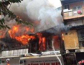 Hà Nội: Cháy lớn ngôi nhà trên phố Bát Đàn, một người tử vong