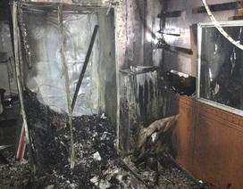 Giải cứu 6 người mắc kẹt trong đám cháy lúc 3h sáng