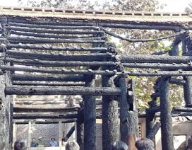 Chưa cấp phép xây dựng Hậu cung ngôi đình gần 350 tuổi bị cháy