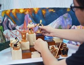 Người trẻ Sài thành yêu văn hóa làm bộ cờ vua dân tộc