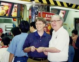 Tỷ phú Warren Buffett từng mua bữa trưa cho Bill Gates bằng phiếu giảm giá