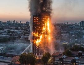 """Vì sao """"bà hỏa"""" nhanh chóng nhấn chìm chung cư 24 tầng ở London?"""