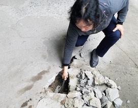 Khu tái định cư Hà Nội chịu cảnh bể phốt lộ thiên, nền nhà sụt lún
