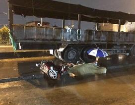 Nữ sinh tử nạn trong cơn mưa lớn ở Sài Gòn
