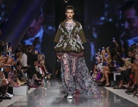 """Thời trang Việt Nam lần đầu tới """"xứ sở vàng"""" Dubai"""