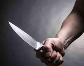Thiếu niên 14 tuổi đang mua thức ăn bị nhóm côn đồ đâm tử vong