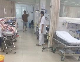 Hà Nội: Hàng chục người mang hung khí vào viện chém trọng thương bệnh nhân