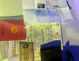 CSGT Hà Nội trả lại số tiền lớn cùng sổ đỏ cho người dân đánh rơi