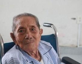 Cụ ông 101 tuổi được phẫu thuật mắt thành công