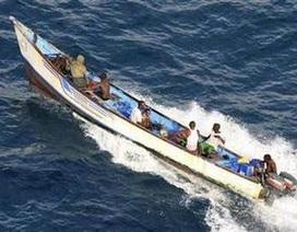 Tàu Việt Nam bị cướp biển tấn công, 7 người bị bắt cóc