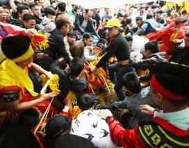Hà Nội tăng cường thanh tra sau vụ cướp lộc ở hội Gióng, chùa Hương