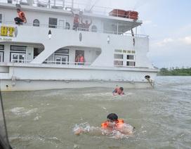 400 người tham gia cứu hộ tình huống 2 tàu đâm nhau trên sông Sài Gòn