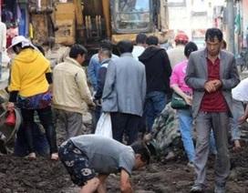 Trung Quốc: Đào tung đường đang bảo trì để tìm ngọc bích