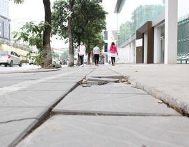 """Hà Nội tạm dừng lát đá vỉa hè """"bền 70 năm"""" trên đường Tôn Đức Thắng"""