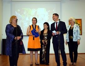 """Triển lãm tranh """"Hương Sắc Việt Nam"""" tại Romania"""