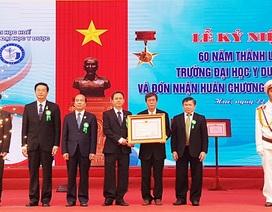 Trường Đại học Y Dược Huế nhận Huân chương Độc lập hạng Ba