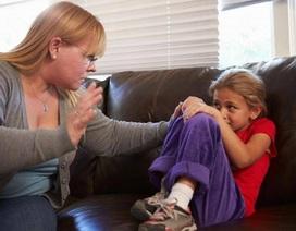 """Đánh đòn trẻ em làm chúng """"hung hăng và khó gần gũi hơn"""""""