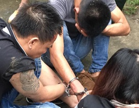 Dân vây bắt nhóm đối tượng nghi đào mộ trộm vàng