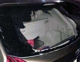 Hà Nội: Hai xế hộp bị đập vỡ kính để trộm tài sản