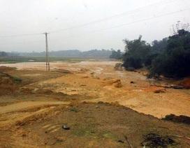 Nông dân khóc ròng vì nhiều hecta lúa bị nhấn chìm trong bùn đất